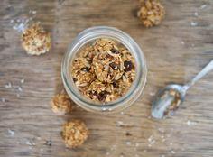 The Conscious Dietitian | No Bake 100 Calorie Peanut Butter Energy Balls | http://www.theconsciousdietitian.com