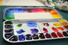 I made a video about setting up a new watercolor palette. This palette is Mijello folding plastic palette with 18 wells. If you are curious about it, just check out my video (and subscribe my channel - I would be very grateful!): www.youtube.com/watch?v=ZHw1xu5E5w0