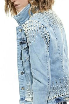 Star Embellished Denim Jacket by Roberto Cavalli Diy Jeans, Jean 1, Mode Jeans, Denim Ideas, Embellished Jeans, Mode Hijab, Womens Fashion Online, Diy Clothing, Denim Fashion