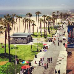 Santa Monica, Venice Beach in Venice Cali. I never touched the water. Places In California, California Dreamin', Vintage California, Playa Beach, Laguna Beach, Nevada, Pier Santa Monica, Coachella, Arizona
