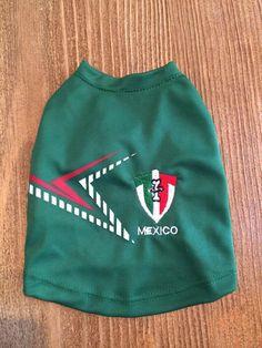 En #FriendlyDog también apoyamos el mundial. Nuestros clientes vistieron la verde durante los partidos de México. #Mexico #Dogs #Clothes #MundialBrasil2014