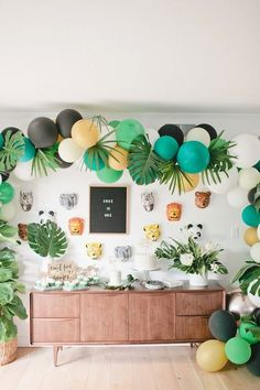Jungle party table from a Jungle Birthday Party on Kara's Party Ideas Safari Party, Jungle Theme Parties, Jungle Theme Birthday, Safari Birthday Party, Jungle Book Party, Jungle Theme Cakes, Safari Theme, Jungle Safari, Book Birthday Parties