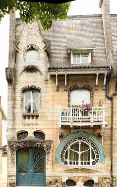 Maison Huot. Quai Le lorrain 92-92 bis Nancy. Émile André #Art #Nouveau