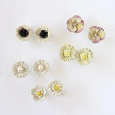 デイジーのイヤリング(革花)