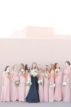 ソフトピンクの花嫁介添人ドレス