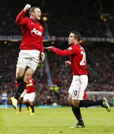 Wayne Rooney and Robin Van Persie Manchester United Legends, Manchester United Football, Forever Manchester, Cristiano Ronaldo, I In Team, Robin Van, Van Persie, Fc 1, Wayne Rooney