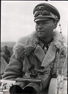Karl Lorenz January 1904 – 3 October was a German general during World War II who commanded the Panzer Division Grossdeutschland. He was a recipient of the Knight's Cross of the Iron Cross with Oak Leaves of Nazi Germany. Ww2 Uniforms, German Uniforms, German Soldiers Ww2, German Army, Germany Ww2, Ww2 Tanks, War Photography, Panzer, Military History