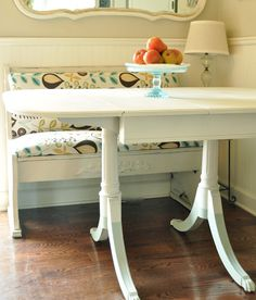Jennifer Rizzo: Painted table and dip dye legs. I LOVE die dye legs! Kitchen Nook, Kitchen Decor, Kitchen Ideas, Kitchen Sync, Kitchen Stuff, Paint Dipping, Interior Decorating, Interior Design, Decorating Ideas