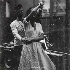 Super Ideas For Vintage Fotos Parejas Couple Aesthetic, White Aesthetic, Aesthetic Pictures, Aesthetic Vintage, People Dancing, Dancing In The Rain, Dancing Couple, Photo Vintage, Vintage Love