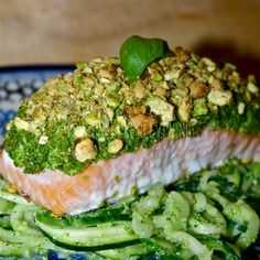 Zalm uit de oven met broccoli-pistachekorstje