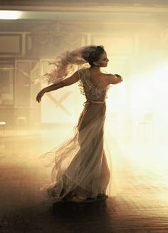 natalie portman. this is how you should dance in a dress like this :)