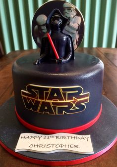Kylo Ren Star Wars cake