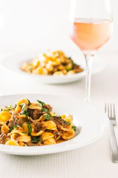 Instant Pot Pork Ragu With Orecchiette Pasta Pork Ragu that tastes like it has been slow cooked for 24 hours however it only takes an hour or so thanks to the Instant Pot served with hearty Orecchiette Pasta. # richragusauce via Krumpli Best Pasta Recipes, Easy Dinner Recipes, Dinner Ideas, Slow Cooking, Pressure Cooking, Instant Pot Pressure Cooker, Pressure Cooker Recipes, Pork Dishes, Pasta Dishes