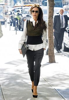 victoria beckham gets back to business 05 Victoria Beckham is all bundled up whi. victoria beckham gets back to business 05 Victoria Beckham is all bundled up while stepping out of her hotel on Frid Fashion Mode, Office Fashion, Work Fashion, Fashion Looks, Fashion Design, Fashion Trends, Fashion Stores, 80s Fashion, Fashion Outlet