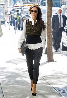 No dias mais gelados, muitas mulheres tem dificuldade de montar uma produção quentinha e moderna! Por praticidade, elas acabam preferindo um casaco gr...
