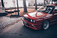 33 отметок «Нравится», 1 комментариев — @ultimateklasse в Instagram: «:@hlorenzophotography Owner:@vdb.maxime #BMW #E30 #M3 #UltimateKlasse #CAtuned #bimmer…»