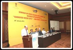 2.Shri Y Hariharan, Deputy Regional Chairman, EEPC India giving Welcome Address.