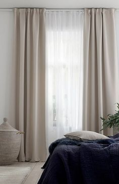 Home Curtains, Home Bedroom, Beige Curtains Living Room, Bedroom Interior, Beige Curtains Bedroom, Bedroom Door Design, Chic Bedroom Decor, Home Interior Design, Beige Curtains