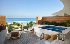 Premier Bungalow Ocean Front Suite. The Miami Beach EDITION, USA. © EDITION Hotels
