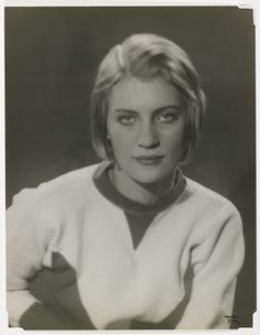 """Lee Miller, photograph by Man Ray - """"The first person Stuyvesant saw through the smoke was Man Ray. The second was Lee Miller, a million dollar baby draped across the artist like a five-and-dime rag doll. Lee Miller, Pablo Picasso, Man Ray Photographie, Belle Epoque, Roland Penrose, Photo Images, Photo D Art, Portrait Photographers, Portraits"""