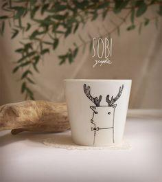 Idea for my DIY sharpie mugs Sharpie Plates, Diy Sharpie Mug, Ceramic Cafe, Ceramic Decor, Painted Mugs, Hand Painted Ceramics, Mug Art, Diy Mugs, Cool Mugs