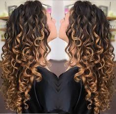 Golden Locks 🔐 Freehand Painting ---Devacut by ✂️😘 Curly Hair Tips, Hair Dos, Wavy Hair, Curly Hair Styles, Ombre Curly Hair, Colored Curly Hair, Deva Curl, Permed Hairstyles, Hair Highlights