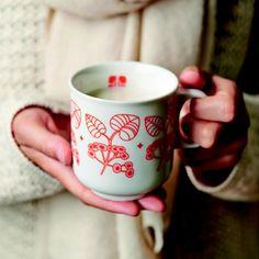 Soldes hiver 2016 Mug en porcelaine blanche motif floral orange Mr & Mrs Clynk : Decoclico