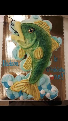 Cupcakes For Men, Baking Cupcakes, Cupcake Cakes, Pull Apart Cupcake Cake, Pull Apart Cake, Fish Cake Birthday, Fishing Cupcakes, Character Cakes, Occasion Cakes