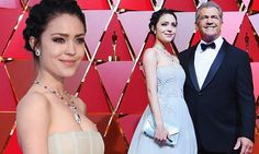 Mel Gibson's wife Rosalind Ross stuns Oscar's red carpet   Daily Mail Online