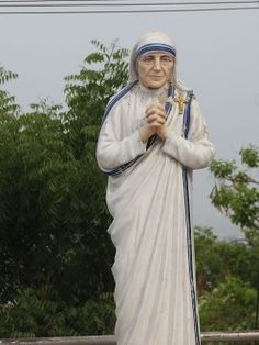 """""""Why did God make some of us men and others women?""""  Read Mother Teresa's answer.  Photo (edited)  by Paul"""