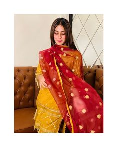 Iqra Aziz dresses are finest and lavish. All the dresses are stitched and picked in order to every event. Pakistani Wedding Outfits, Pakistani Bridal Wear, Pakistani Dress Design, Pakistani Dresses, Celebrity Fashion Outfits, Girl Fashion, Celebrities Fashion, Celebrity Style, Fashion Dresses