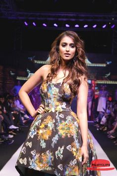 Ileana Ramp Walk Stills At Madame Style Week 2014 Filmyclips:Actress Gallery,Actors Gallery,Movie Trailers,Movie Teasers,HD Wallpapers,Full Movies,Event Galleries,Latest News,Video songs,Classic Video songs,Pop video songs,Audio songs