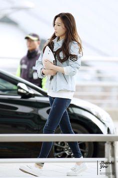 SNSD Taeyeon Airport Fashion 150328 2015