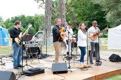 Concerts en plein air lors de la fête de la musique au parc de la Roseraie de L'Haÿ les Roses le 21 juin 2015.