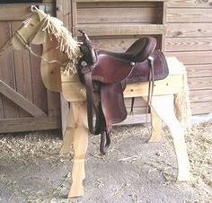 A horsie to hold your saddles! Farm Crafts, Horse Crafts, Wood Crafts, Wood Projects, Woodworking Projects, Saddle Rack, Wooden Horse, Hobby Horse, Horse Saddles