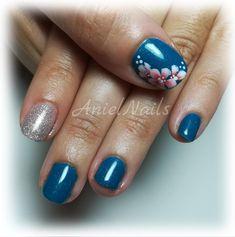 #semipermanente #anielnails #nail #nailart #fiori #micropittura #monocolore #mesauda #instagram #likeforlike #follow #toptags #nailsoftheday #nailsart #nailspiration #nailswag #nailstyle #picoftheday #nainstagram #nailsaddict #nailsdesign #nailstoinspire #strass #instagram #unghie