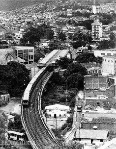 Metro de Caracas. Vista aérea de la estación Caño Amarillo. 23-07-1992. (Jesús Castillo / Coleccion Archivo El Nacional)