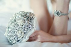 Sparkly brooch bouquet - Golden 20s Great Gatsby Wedding Inspiration Shoot