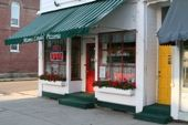 Choosing a Location for Your Restaurant: Corners and intersections are a good restaurant location.