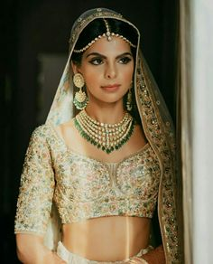 Real Brides Show How To Wear No-makeup Look On The Wedding on Beautiful Makeup Photos 2466 Bridal Dupatta, Lehenga Wedding, Indian Bridal Hairstyles, Nude Makeup, Beauty Makeup, Eyeliner Looks, South Indian Bride, 3d Max