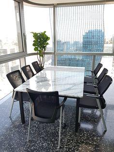 기존의 사이즈가 아닌 고객님의 맞춤 사이즈로 제작하였습니다~~ 길이가 있는 만큼 상판 두개를 사용해서 제작하였고 상판은 이질감이 없도록 하기위해 하나의 대리석 판을 나누어 사용했습니다*^^* Outdoor Chairs, Outdoor Furniture Sets, Outdoor Decor, Marble, Home Decor, Decoration Home, Room Decor, Garden Chairs, Granite