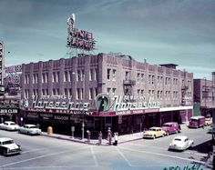 Horseshoe, Las Vegas, late Stripped of his gaming license and doing time at Leavenworth, Benny Binion's Horseshoe became Joe W. Brown's Horseshoe Vegas 2, Vegas Casino, Las Vegas Strip, Vegas Lights, Reno Tahoe, Desert Life, Fallout New Vegas, Best Cities