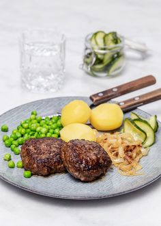 English Food, Chutney, Healthy Recipes, Healthy Food, Eggs, Beef, Restaurant, Sausages, Dinner