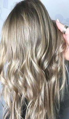 Mushroom blonde hair color trend Sleek Hairstyles, Trending Hairstyles, Pretty Hairstyles, Pastel Green Hair, Pastel Rainbow Hair, Hair Stenciling, Cool Hair Designs, Unicorn Hair Color, Pretty Hair Color
