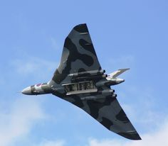 A beautiful picture by one of #XH558's fans on Pinterest. XH588 - Wings and Wheels, Dunsfold 2010