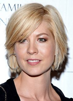 middle aged hairstyles women | Jenna Elfman hair styles also great for middle aged women and round ...