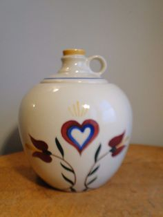 Shawnee Pennsylvania Dutch Heart Tulip Jug Cookie Jar Marked USA