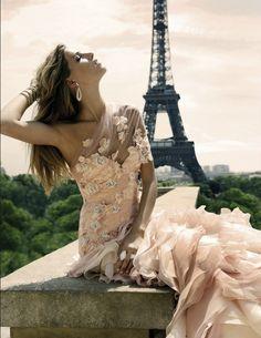 Absolutely stunning dress... sigh
