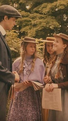 Anne Shirley, Movies Showing, Movies And Tv Shows, Amybeth Mcnulty, Gilbert And Anne, Anne White, Anne With An E, Gilbert Blythe, Cuthbert