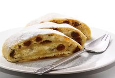 Tvarohový závin Donuts, Bread, Breakfast, Ethnic Recipes, Sweet, Desserts, Food, Portal, Basket